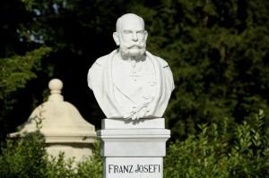 Ferenc József mellszobrának avatása