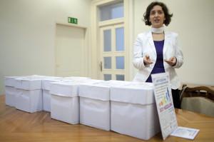 Az NVI átvette az európai magzatvédõ kezdeményezés aláír