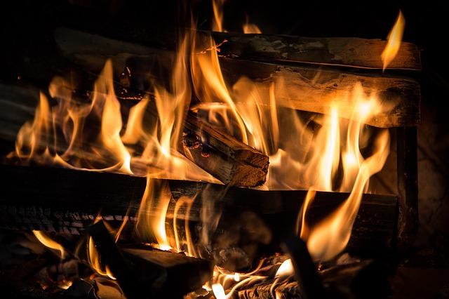 Különleges tűztánc
